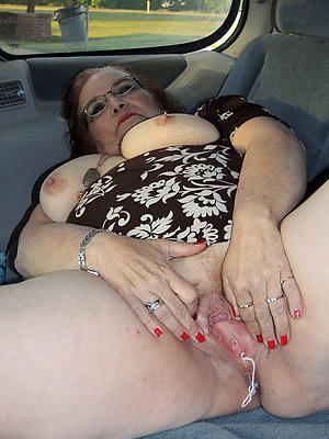 Slutty mature in car photos