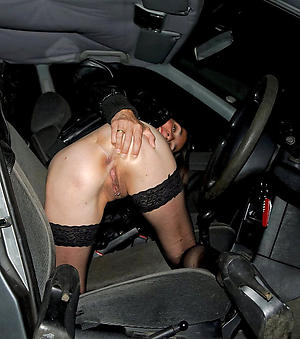 Unorthodox naked women in cars pics
