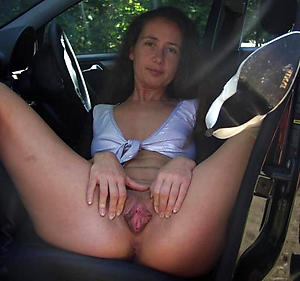 Sweet mature car blowjob pics