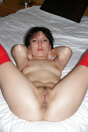 Pretty old mature cunt gallery