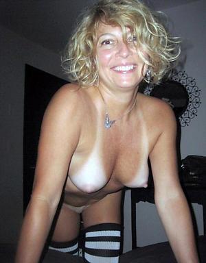 Easy mature blonde pics