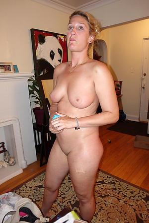 Unconforming mature sluts naked