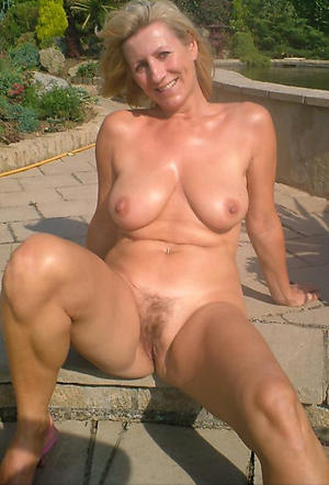 Horny mature whore xxx pics