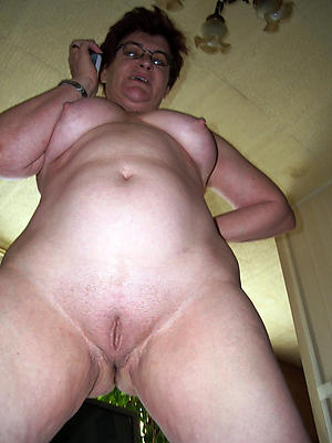 Undressed bbw wife
