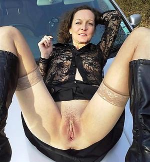 Amateur naked brunette women