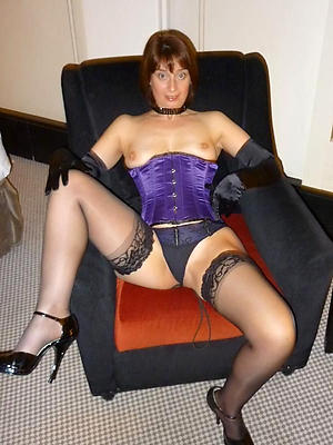 Amateur pics of women in dispirited lingerie