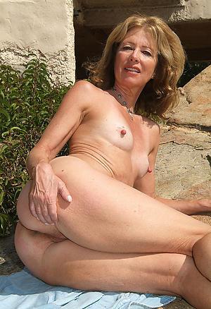 Slutty mature women adjacent to pithy tits