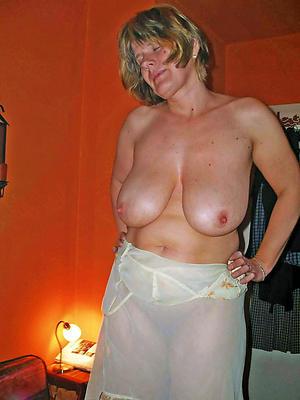 Bungler older women with big tits