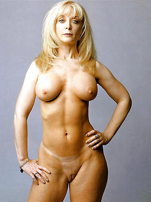 Inexperienced full-grown wife pussy