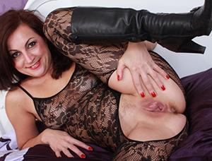 Favorite mature wife sex pics