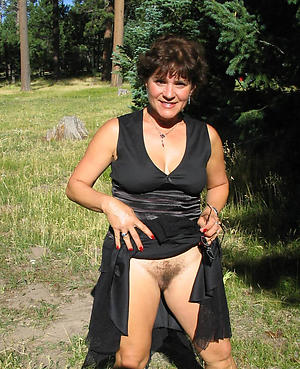 Amateur single mature ladies