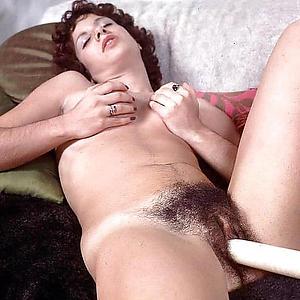 Busty mature vintage sex pics