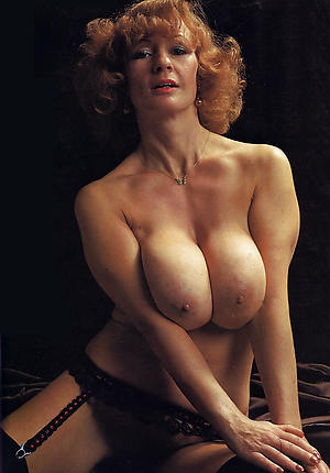 Busty vintage mature pics