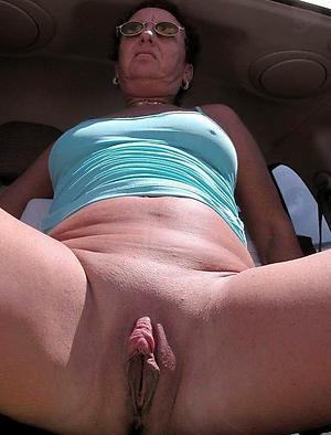 Juicy hairy mature vagina