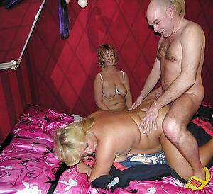 Free amateur mature group sex