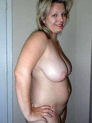 Nude mature white woman