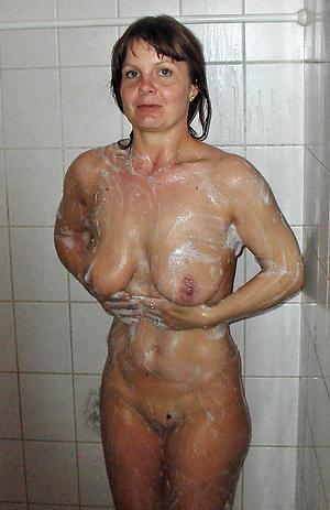 Lay bare mature white women free pics