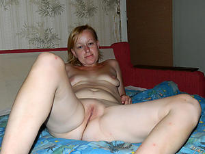 Naked white mature xxx