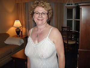 Pretty naked women glasses