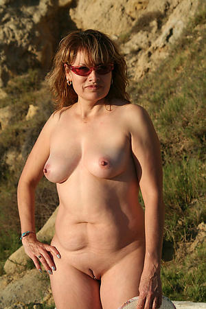 Naked women in glasses pictures