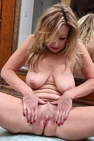 Amateur pics of women masturbating porn