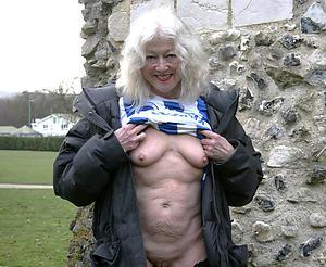 Minimal sexy grandmothers