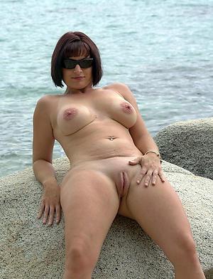 Naked women squama scale pussy