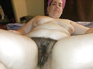 Amazing unshaved mature pussy