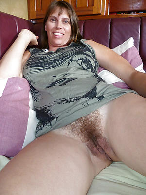 Inexperienced unshaved mature pussy