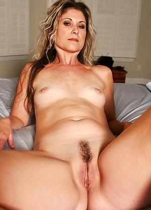 Porn pics of mature hot babes