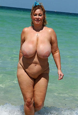 Sexy busty nude mature