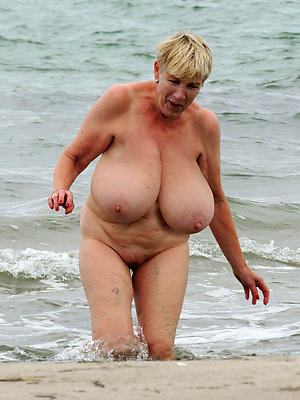 Nude mature busty bbw