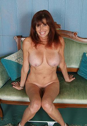 Hot amateur grown up porn pics