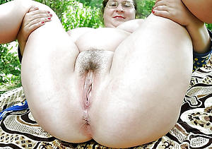 Horny mature ass pictures