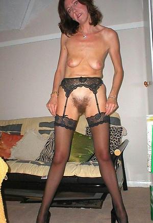 Xxx mature brunette woman pics