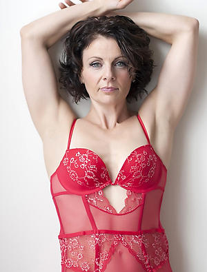 Busty mature brunette woman amateur pictures