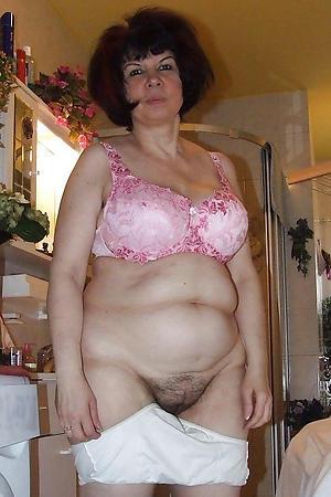 Unskilful mature brunette woman