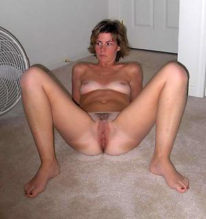 Xxx mature nude legs