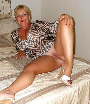 Free matured nude legs