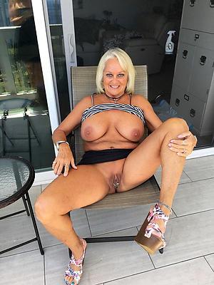 Nude matures legs