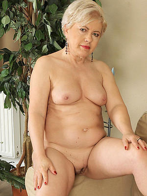 Second-rate pics of mature cougars nude