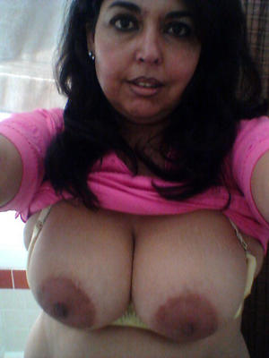 Busty grown-up indian pussy amateur pics