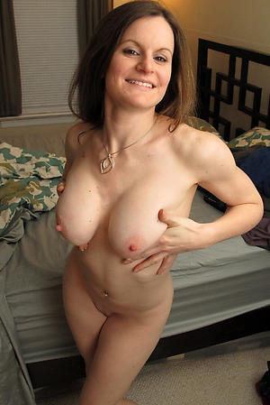 Mature moms pussy naked photos