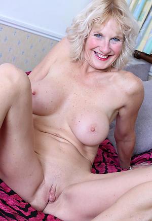 Slutty mature amateur photos