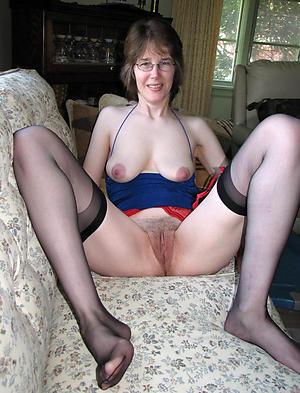 Pretty nude mature white women pictures
