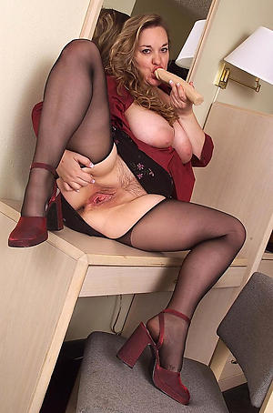 Amateur pics of mature whore wife