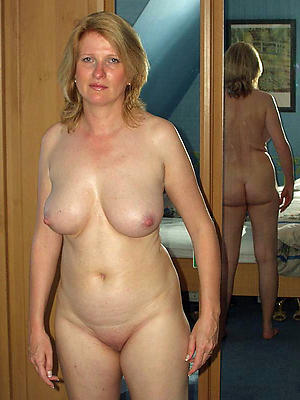 Busty mature just xxx
