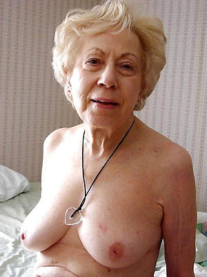 Undress sexy grandma pictures