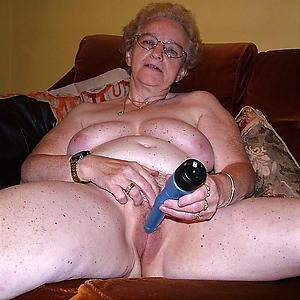 Amateur pics of Bohemian sexy grandma breast