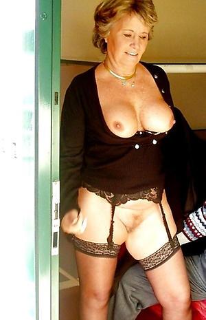 Amateur sexy grandma tits